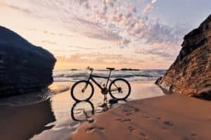 Estate, mare, bici: la Sicilia da scoprire pedalando