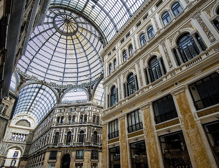 Napoli in giro per il mondo: quanto siamo simili ai nostri vicini?