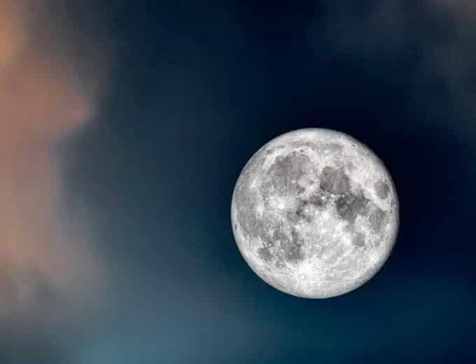 Poesie sulla Luna: 7 tra le più belle, magiche, profonde ed evocative